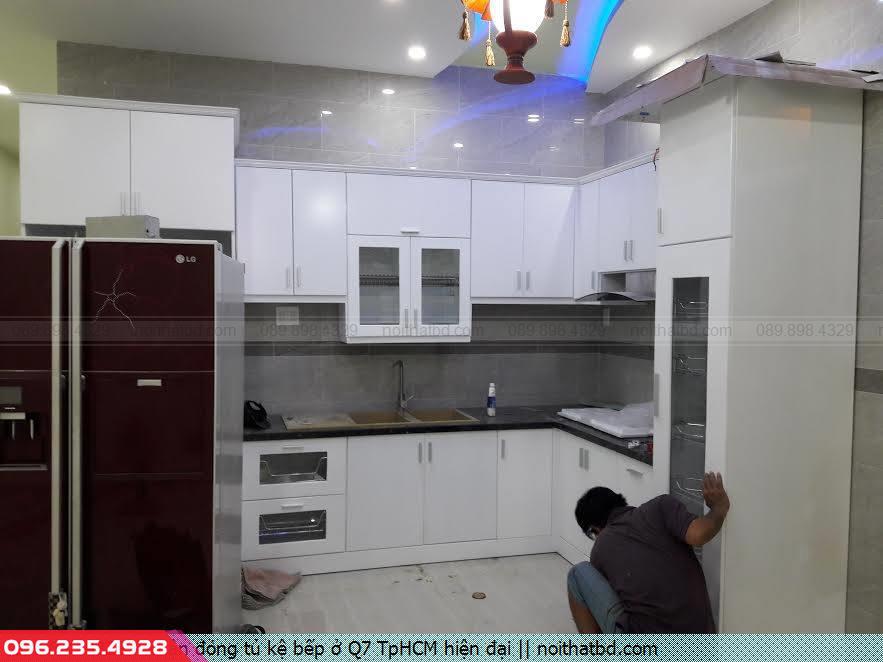 Nhận đóng tủ kệ bếp ở Q7 TpHCM hiện đại