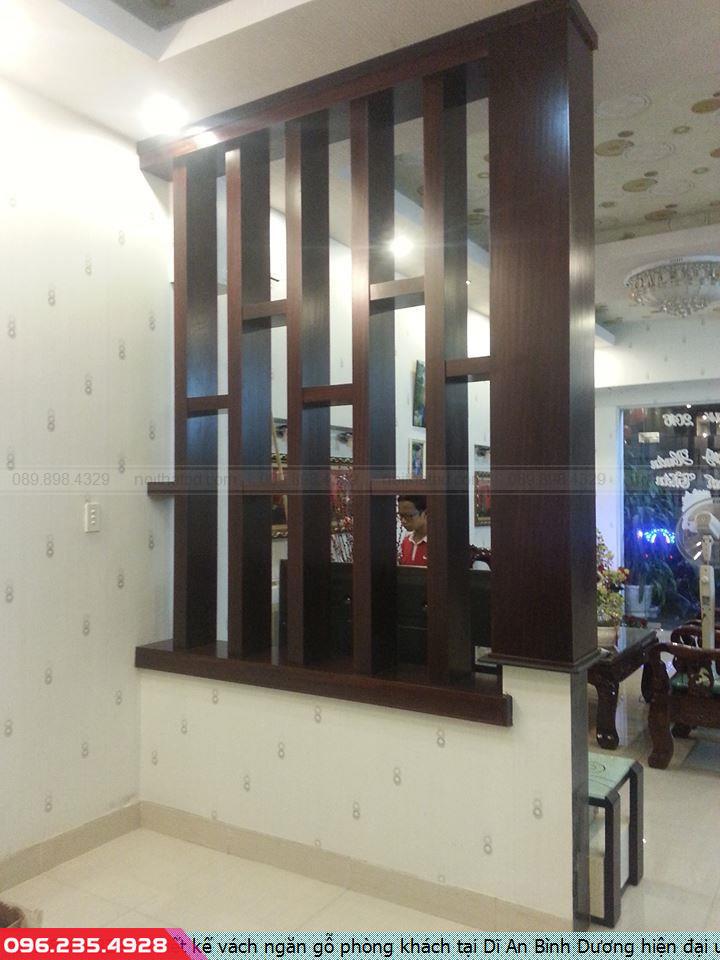 Thiết kế vách ngăn gỗ phòng khách tại Dĩ An Bình Dương hiện đại uy tín.