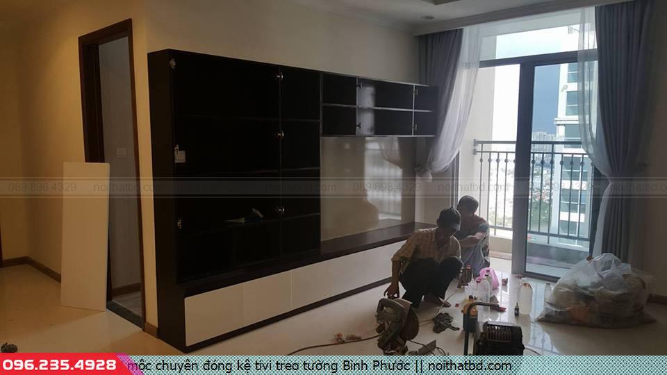 Thợ mộc chuyên đóng kệ tivi treo tường Bình Phước