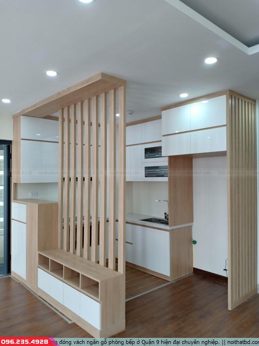 Xưởng đóng vách ngăn gỗ phòng bếp ở Quận 9 hiện đại chuyên nghiệp.