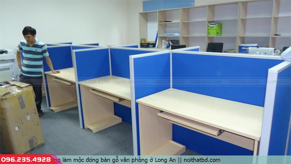 Xưởng làm mộc đóng bàn gỗ văn phòng ở Long An