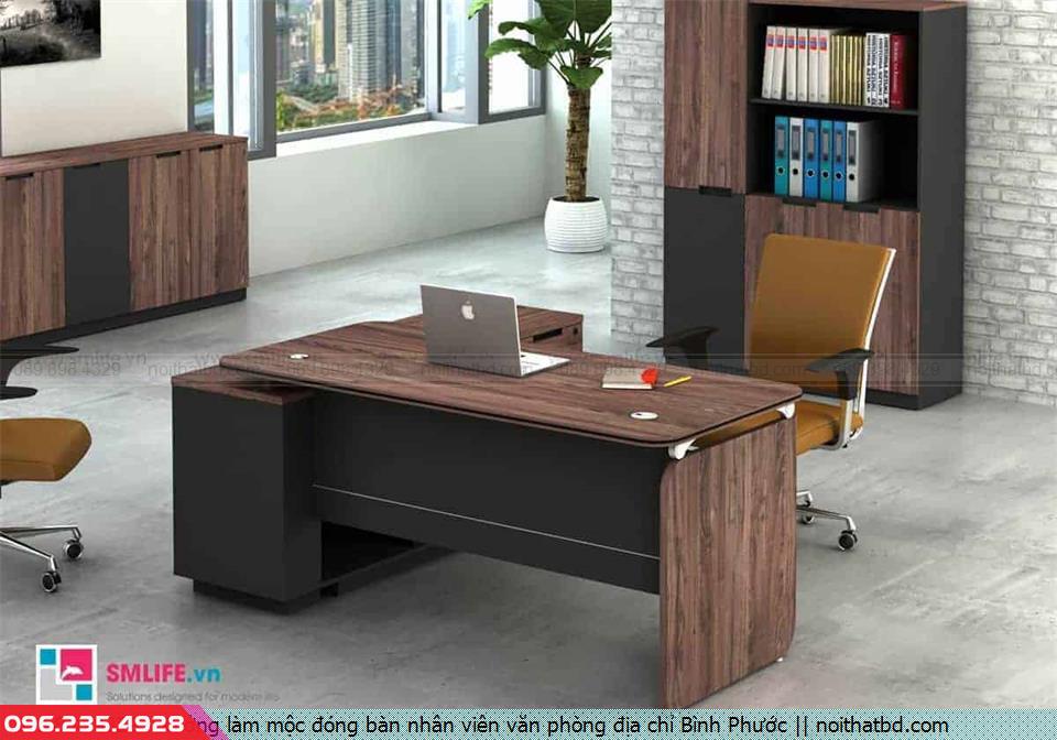 Xưởng làm mộc đóng bàn nhân viên văn phòng địa chỉ Bình Phước
