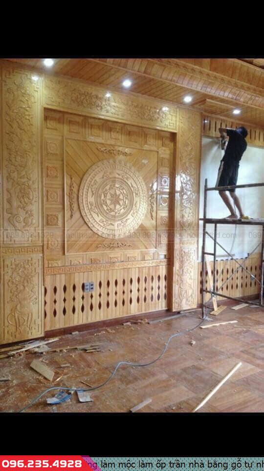 Xưởng làm mộc làm ốp trần nhà bằng gỗ tự nhiên ở biệt thự quận 5 tpHCM