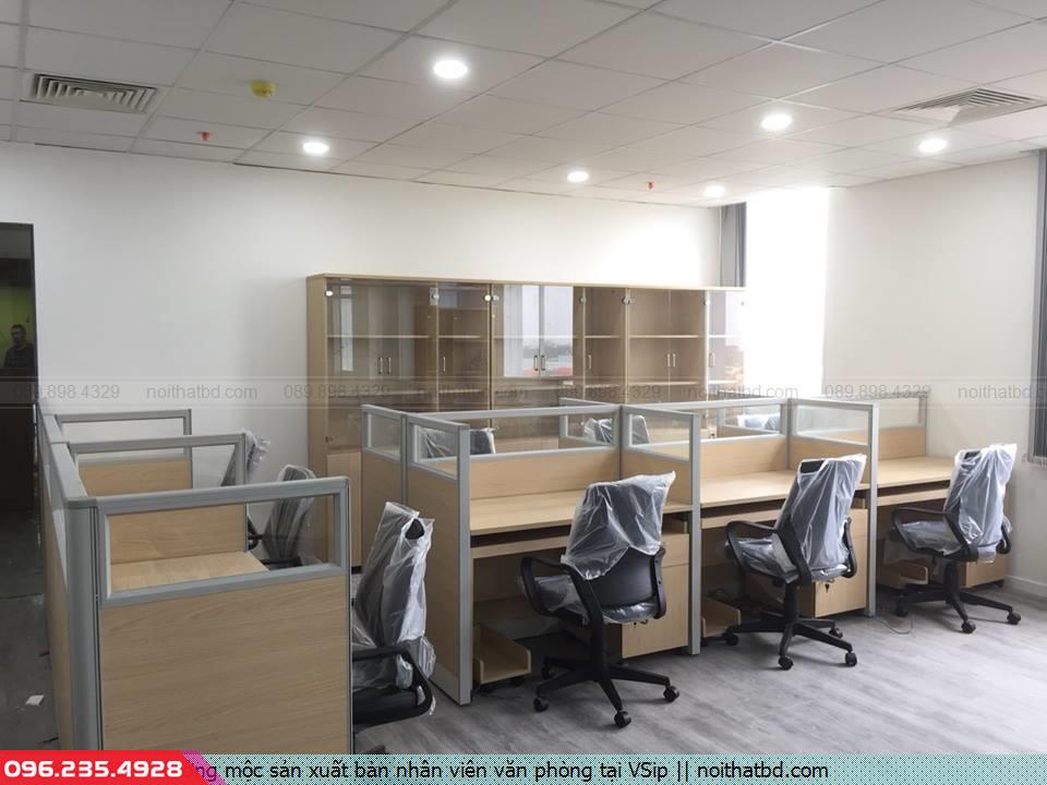 Xưởng mộc sản xuất bàn nhân viên văn phòng tại VSip