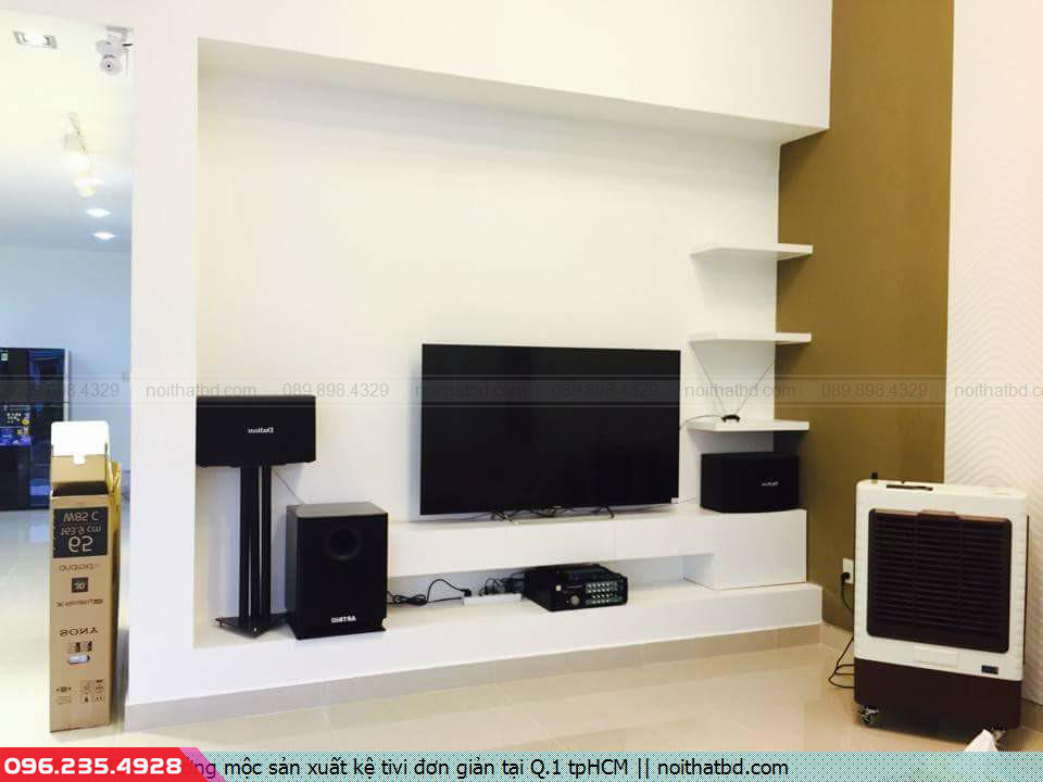 Xưởng mộc sản xuất kệ tivi đơn giản tại Q.1 tpHCM