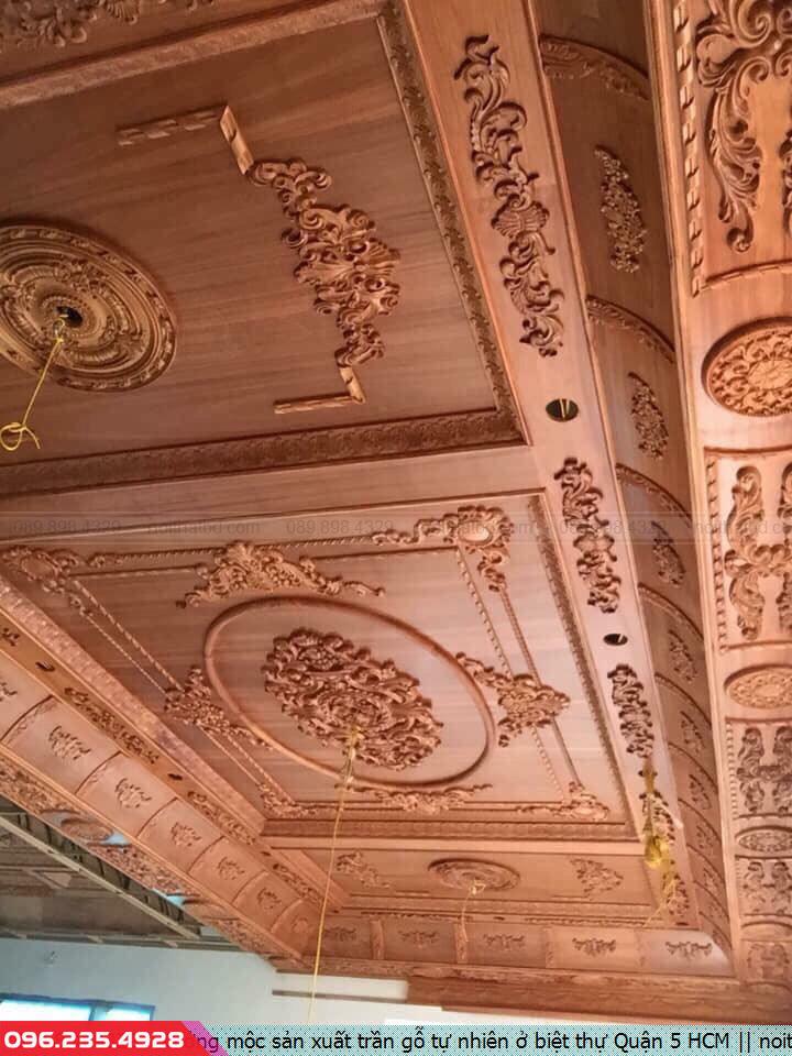 Xưởng mộc sản xuất trần gỗ tự nhiên ở biệt thự Quận 5 HCM